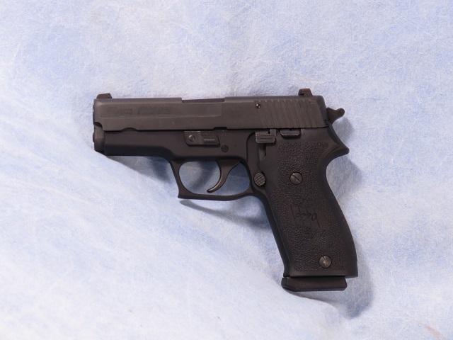 P220 SAS